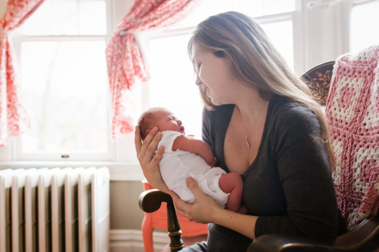 Read more about the article Pittsburgh Newborn Photographer | Baby Annie | Lifestyle Newborn Session